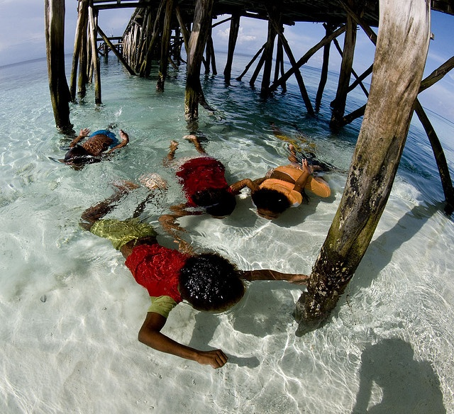 Kids Playing @ Raja Ampat, Papua.