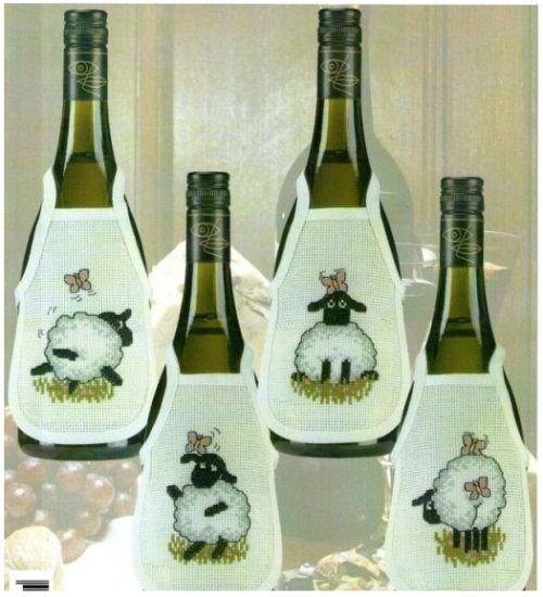 фартук для бутылки, овечка, овечки, вышивка крестом к новому году, новогодняя вышивка крестом схемы, украшения для праздничного стола с вышивкой крестом