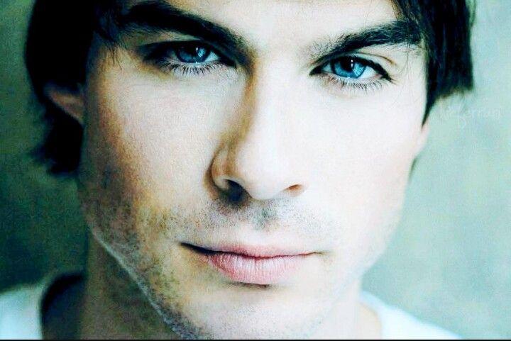 Damon vampire diaries