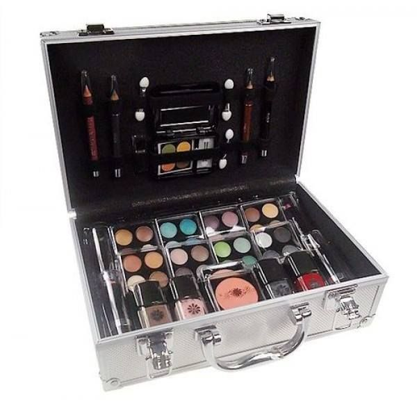 MAKEUP TRADING SCHMINK SET ALU CASE 72G COMPLET MAKE UP PALETTE FOR WOMEN BRAND: MAKEUP TRADING PRODUCT CODE: COSMETIC REWARD POINTS: 67 AVAILABILITY: IN STOCK PRICE: 16.81€ #MAKEUPTRADING #COSMETIC #PERFUME