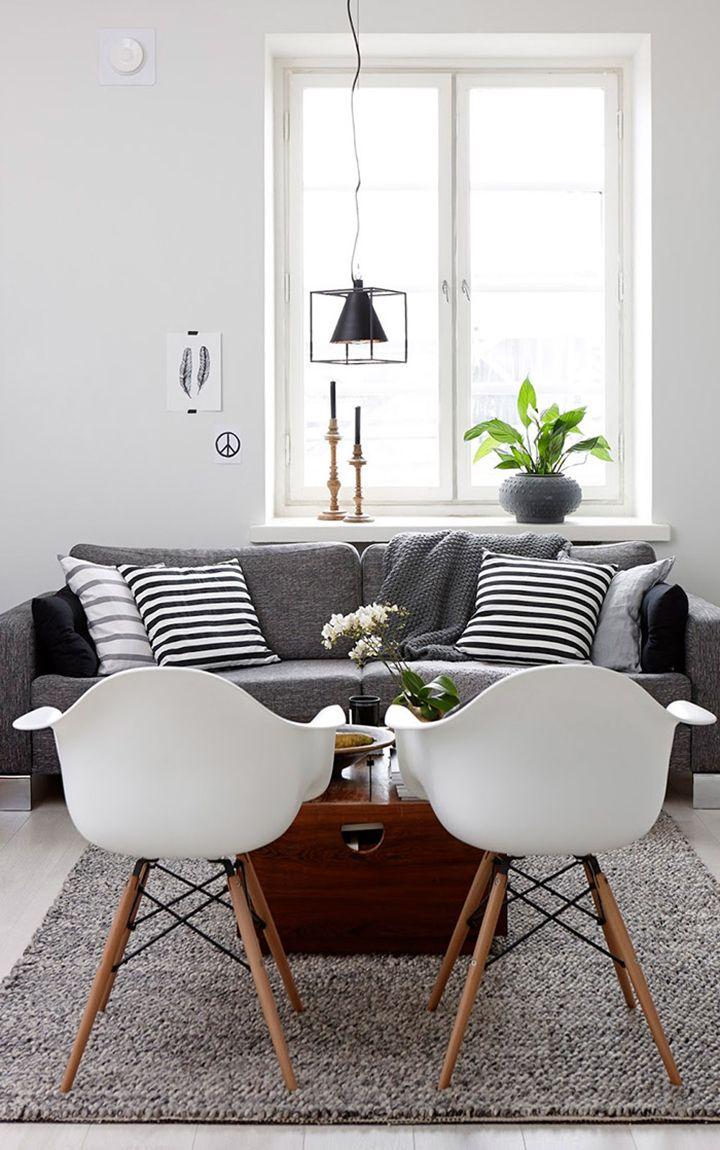 Decoração de: Sala de estar; sofá cinza pequeno; Casa de Valentina