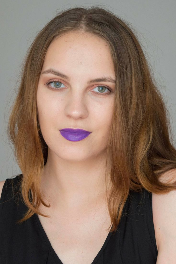 I'm back with a new make-up tutorial, and this time I'm doing a full face of glam make-up.