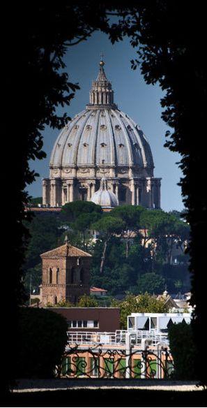 Rom für Fortgeschrittene: 8 wertvolle Tipps. http://www.travelbook.de/europa/Abseits-der-Touristenpfade-Rom-fuer-Fortgeschrittene-8-Tipps-279809.html