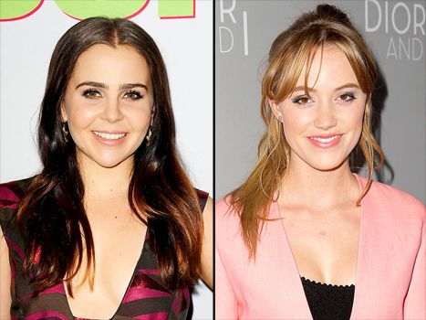Mae Whitman Replaced by Maika Monroe in Independence Day 2, Fans Mad - Us Weekly