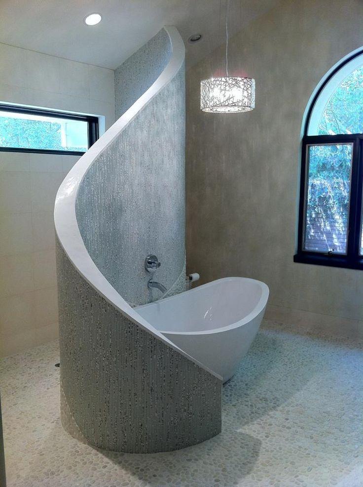 Dottore shower / tub wall. Limestone walls and gravel floor, Martoccia C … … – Dusche Fliesen