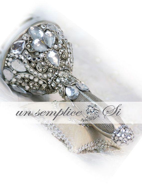 Swarovski Crystal Bouquet Holder Brooch Bouquet by UnSempliceSi