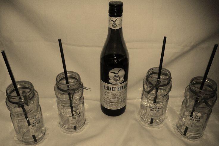 Presentación Vasos + botella de Fernet Branca...