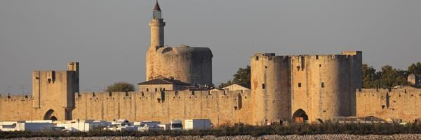 Aigues-Mortes Hotels & Accommodation, Languedoc-Roussillon