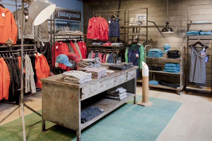 Grote collectie Patagonia kleding, gepresenteerd in een mooie shop bij Zwerfkei.