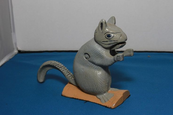1000 images about squirrel nutkin on pinterest squirrel cookie jars and salt pepper shakers - Nutcracker squirrel ...