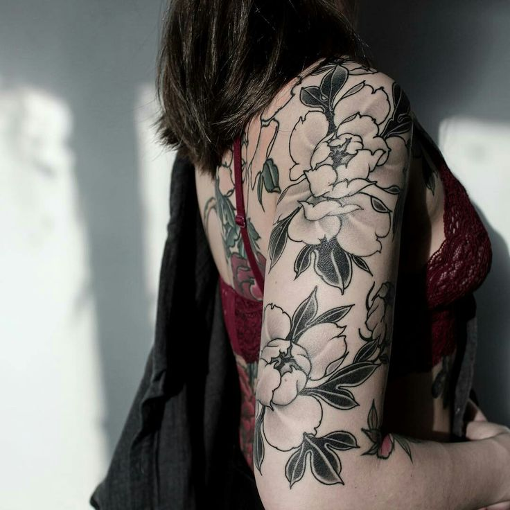 Tattoo done by: @yuuztattooer
