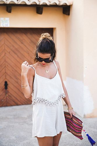 Mono/Jumpsuit: Styloveclothing; Bolso/Clutch: Oysho (Old); Cuñas/Wedges: Gaimo; Accesorios/Accessories: María Pascual