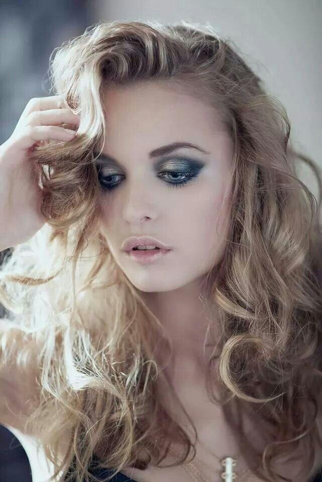 Photo: Jarosław Antoniak Model: Anastasia Photo retouch: Michał Wargin My make-up & hair