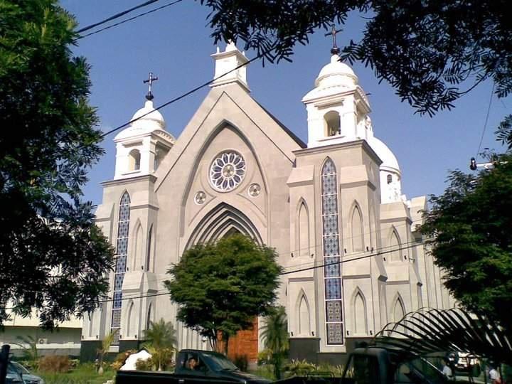 Gereja Katolik Hati Tersuci Maria -  Paroki Katedral Manado