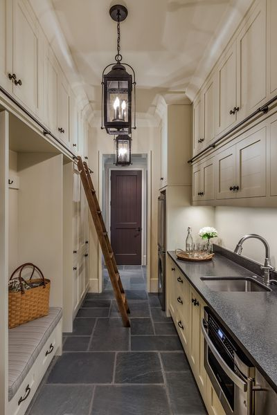 40 cool and simple farmhouse pantry decor ideas (6)