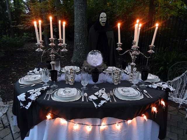 an elegant halloween dinner under the stars love this idea - Halloween Outdoor Ideas