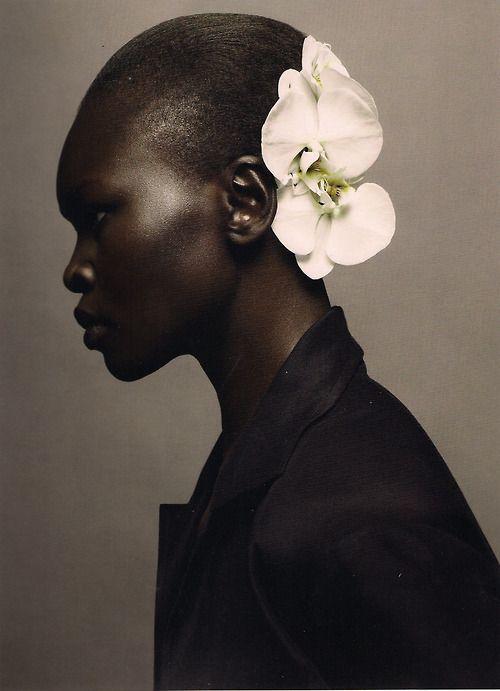 AlekModels, White Flower, Beautiful Women, Sølve Sundsbø, Fashion Looks, Alek Wek, Nature Beautiful, Alekwek, Black