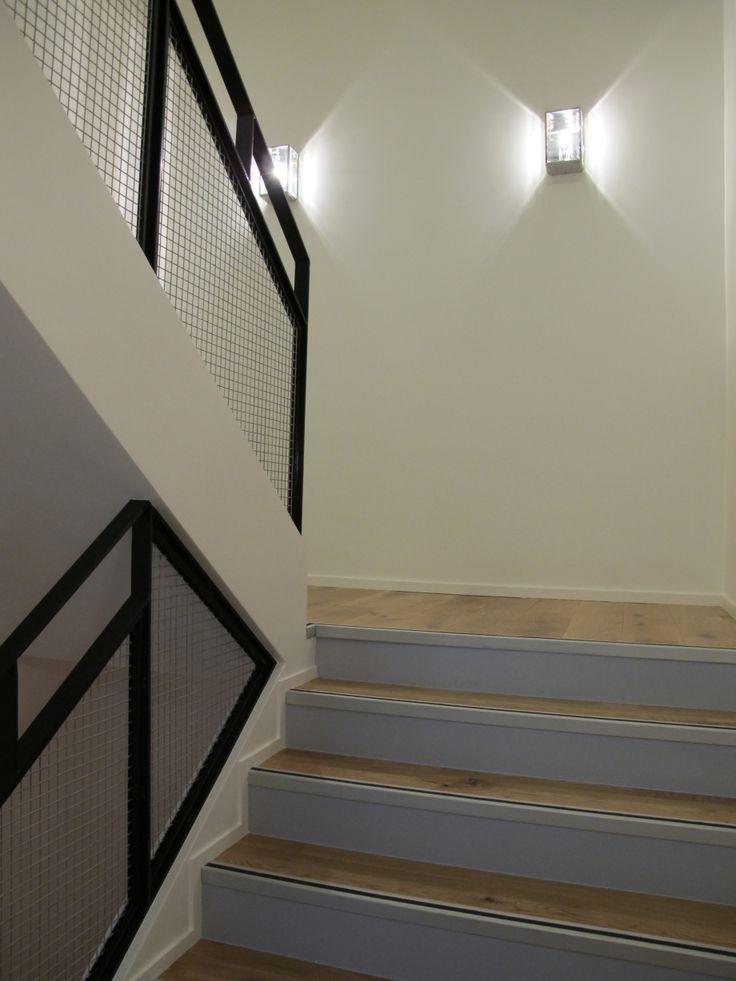 les 25 meilleures images du tableau cage d 39 escalier sur pinterest vignettes entr e et halles. Black Bedroom Furniture Sets. Home Design Ideas