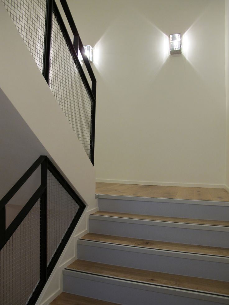 1000 id es sur le th me clairage d 39 escalier sur pinterest for Decoration de cage d escalier
