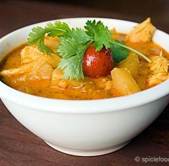 Luscious Thai Chicken Pineapple Curry - http://stlcooks.com/2014/05/luscious-thai-chicken-pineapple-curry/