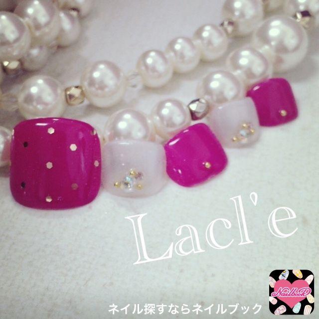 ネイル 画像 Lacl'e 博多 1516828 ビビット ピンク 白 ホログラム ワンカラー 春 夏 リゾート 海 ソフトジェル フット