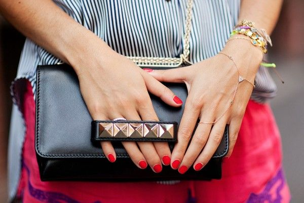 The perfect backdrop for red nails? This Valentino bag (obv).: Arm Candy, Studs Clutches, Bracelets, Red Nails, Leandra Medine, Nails Polish, Summer Accessories, Summer Chic, Arm Parties