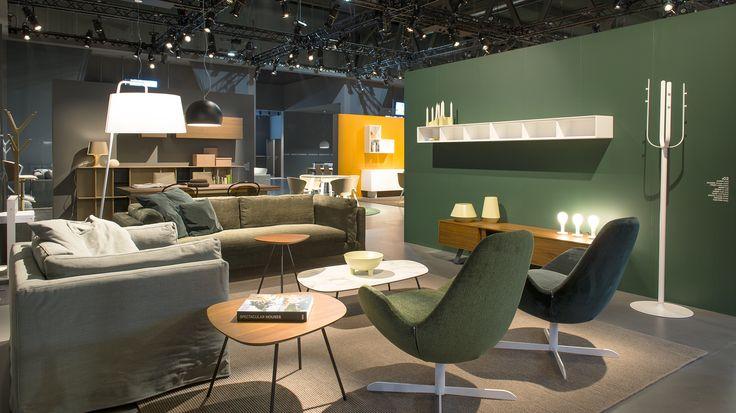 DANNY sofa / GLAMMY sofa on the left / ELECTA swivel armchair / TWEET side and coffee tables / POM POM bedside light / SEXTANS floor light