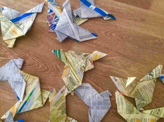 Palomas de origami para hacer cortinas para fiestas.