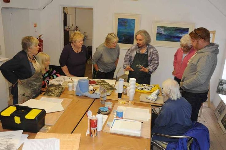 Andrew Douglas Forbes Masterclass at King Street Gallery. Running on Tuesdays throughout July 2014, the class is a not to be missed opportunity to learn from this well-known Welsh artist. Tables and drawing boards provided but participants, who should have some experience, must bring their own materials. kingstreetgallery.co.uk
