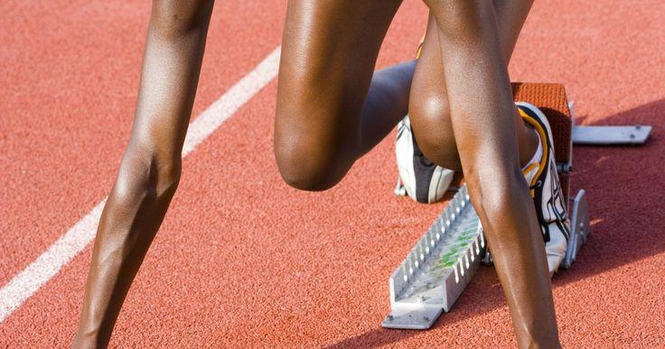 ¿Qué calzado hay que usar en una pista de atletismo?. El calzado para correr tiene una larga historia que quizá no esperes: el primer par lo usó el atleta Lord Spencer en 1865. Desde entonces, el calzado ha evolucionado mucho, ya que los fabricantes de productos deportivos continúan en la búsqueda y desarrollo de nuevas tecnologías para mejorar sus zapatos deportivos. Puedes usar calzado para ...