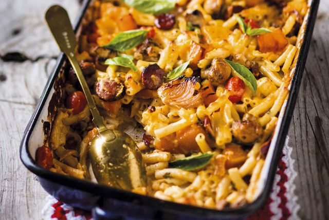 Looking for a quick recipe to serve food-fussy kids? This crowd-pleasing mac and cheese is sure to fit the bill!  Featuring KRAFT DINNER baked with cooked Italian sausage and fresh vegetables, this super-simple casserole is sure to become a new family favourite.