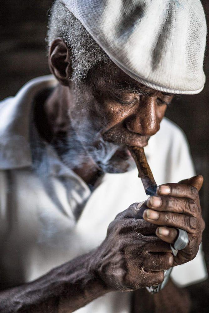 50fb0469c Smoking cigar Cuban man smoking his cigar | Menswear styles | Cuban ...