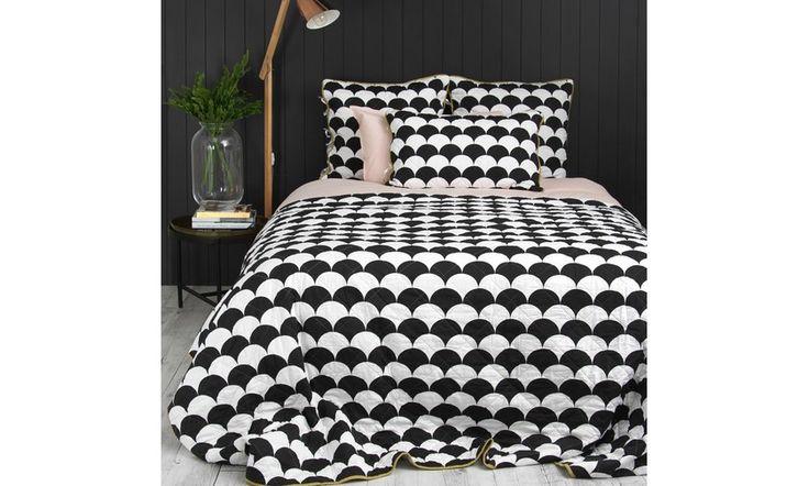 Wallace Cotton Soho reversible quilt