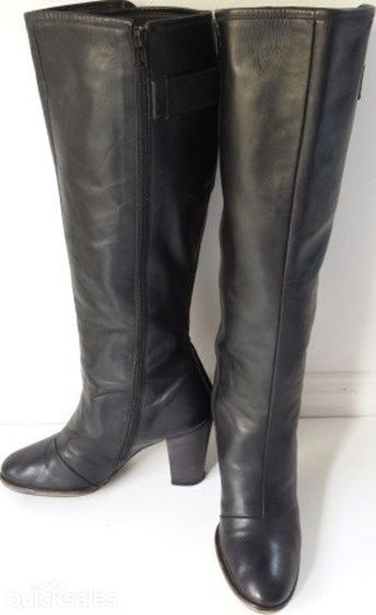 For sale.AUD$99 Near New Womens Black Leather Knee High Fashion boots size Eu41 USA10 UK8   -full knee height soft but sturdy leather uppers  -fully leather lined  -inside zip running the entire length of the boot  -stitched not glued  -great solid heel for brisk walking  -so comfy you won't want to take them off  -only worn 3 times  -brand: G-Star Raw  -reason for selling-surplus stock   RRP$225   Pay &pick up Brisbane King George Square or Clayfield. tel +61433689058 gpmossop@gmail.com