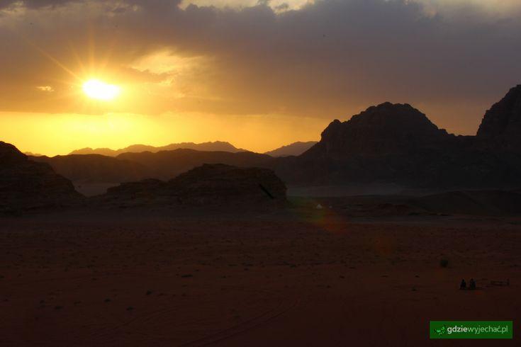 #Wadirum #jordan #sunset Zachód Słońca Więcej: Wadi Rum, Jordania więcej zdjęć: http://gdziewyjechac.pl/19842/