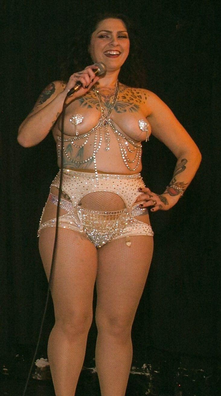 Pickers Danielle Nude