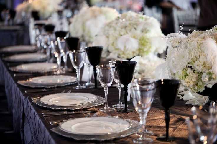 white and blackBlack Ties, Chair Covers, Tables Sets, Black And White, Black Tables, Black White, Parties Ideas, Floral, Elegant Tables