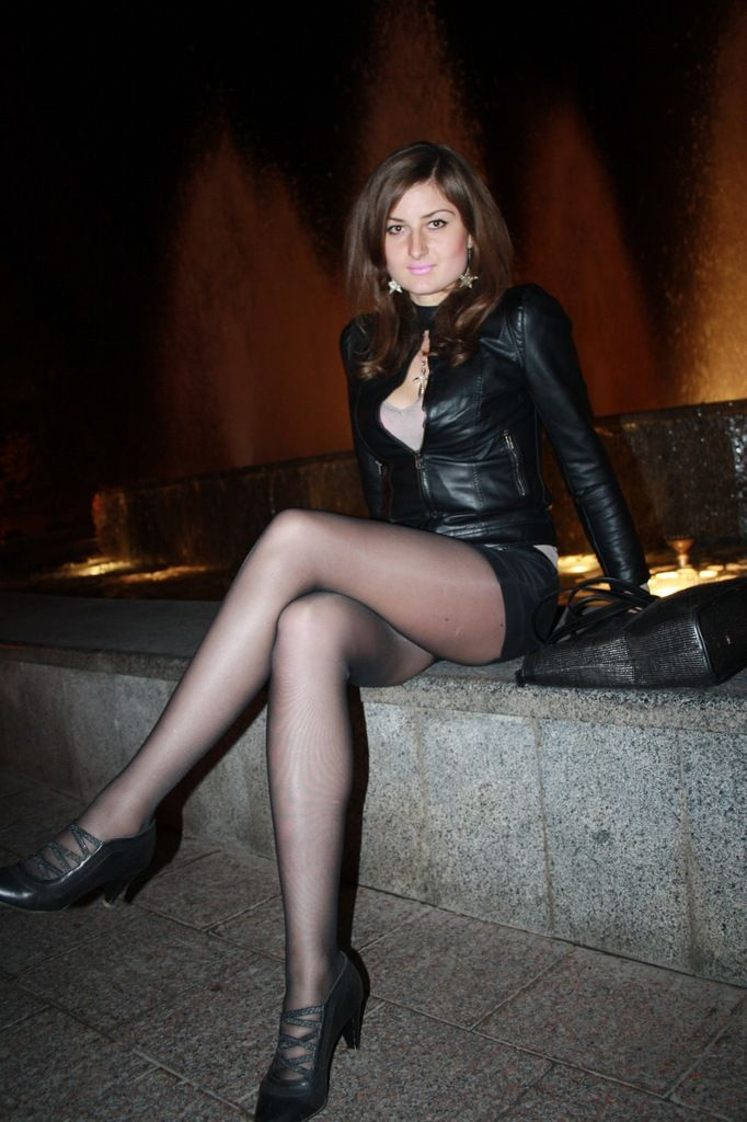 Young russian beauties in pantyhose — pic 7