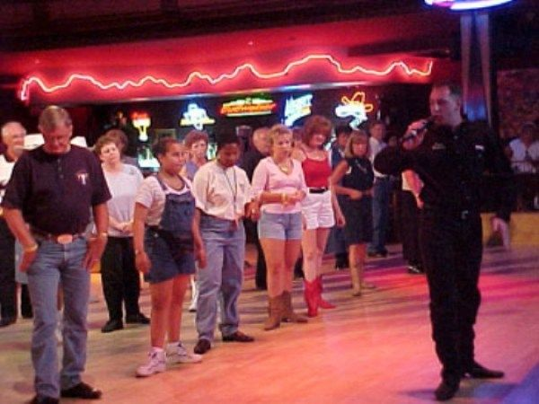 Basic Beginner Country Line Dance Steps