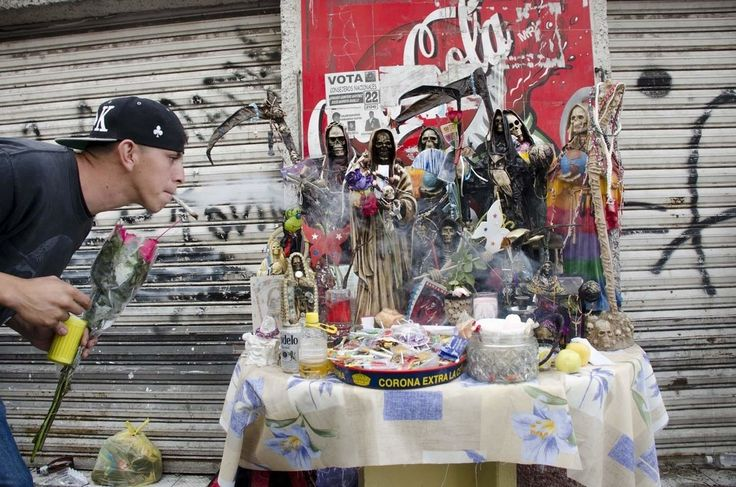 How to Make and Manage Offerings to the Santa Muerte #SantaMuerte #Magick