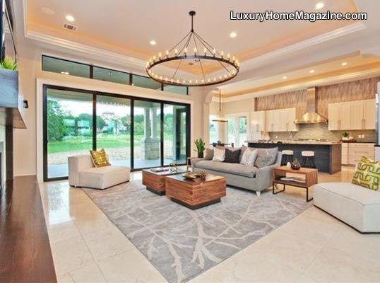 Elegant Interior Design With Stunning Chandelier