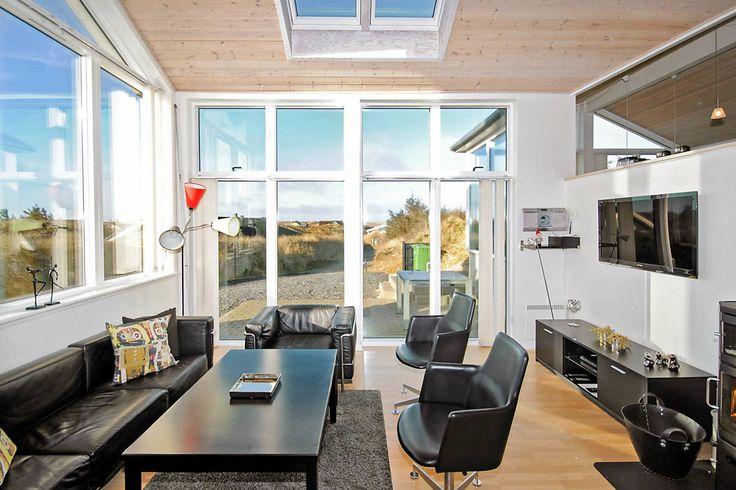 Nebensaison noch eine gute Zeit ein LAST MINUTE Schnäppchen zu schlagen wie zum Beispiel dieses schöne Luxushaus an der dänischen Nordsee in Houvig: http://www.danwest.de/ferienhaus/2901/fantastisches-luxusferienhaus?utm_content=buffer29373&utm_medium=social&utm_source=pinterest.com&utm_campaign=buffer #LastMinute #Luxushaus
