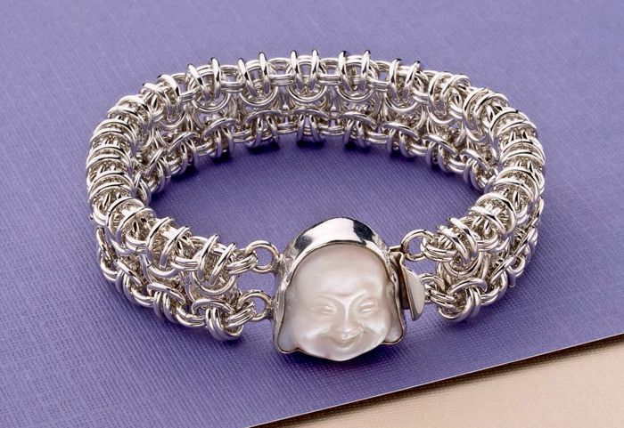 You'll love this FREE chainmaille bracelet project from Beading Daily.
