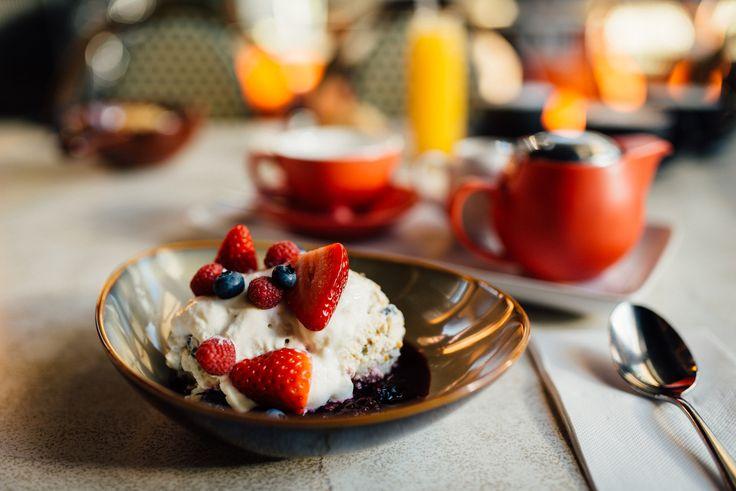 bircher breakfast at Aromas, Noosa