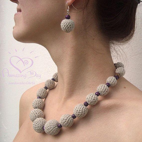 LINO collana Crochet, perline di legno all'uncinetto.