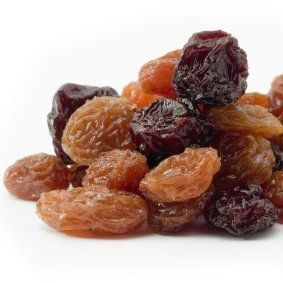 This is a guide about drying grapes to make raisins. Raisins are a great, healthy snack. If you make your own raisins at home you can try making them with different kind of grapes.