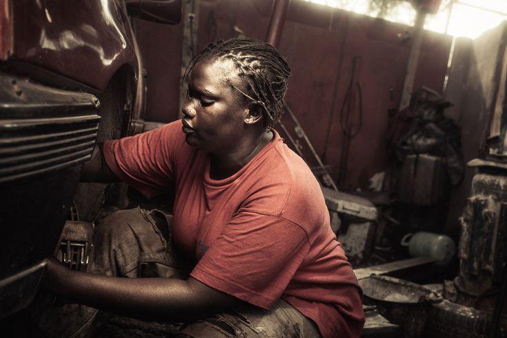 No Mans Job: Inside The Lives Of Senegals Female Mechanics