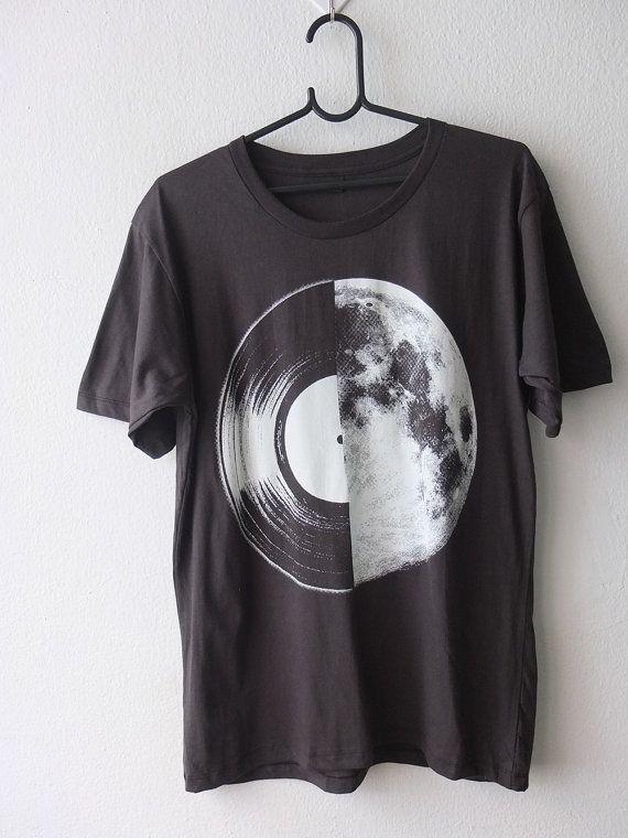Half Moon Record Album Graphic Music Printed T Shirt M