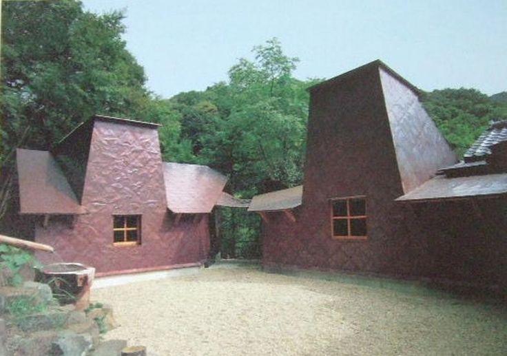 Non-Toan Workshop, Yugawara, Japan. Pottery workshop of Morihiro Hosokawa. Terunobu Fujimori.