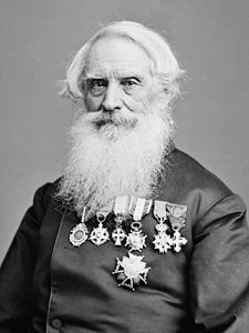 Samuel Morse.24 MAYIS 1844 - ABD'li mucit Samuel Morse, ABD Senatosu üyelerinin hazır bulunduğu bir deneyle ABD Kongre binasından Baltimore'da bir tren istasyonuna kendi icadı olan mors alfabesiyle ilk mesajı gönderdi.